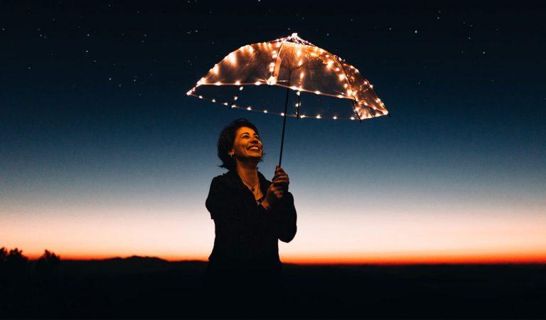 كيف أحقق السعادة في حياتي؟ طرق بسيطة لتحقيق السعادة
