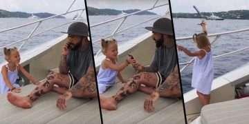 طفلة ترمي هاتف والدها